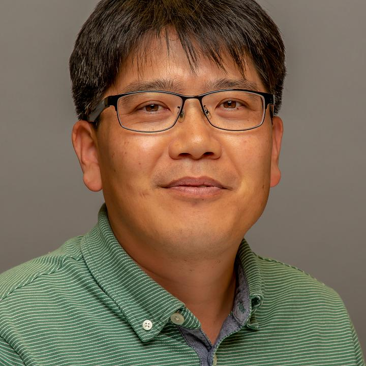 Headshot of faculty member Jaewhan Kim